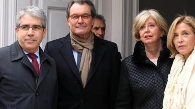 """Societat Civil Catalana denuncia a Mas para que """"devuelva"""" el dinero destinado al 9-N"""