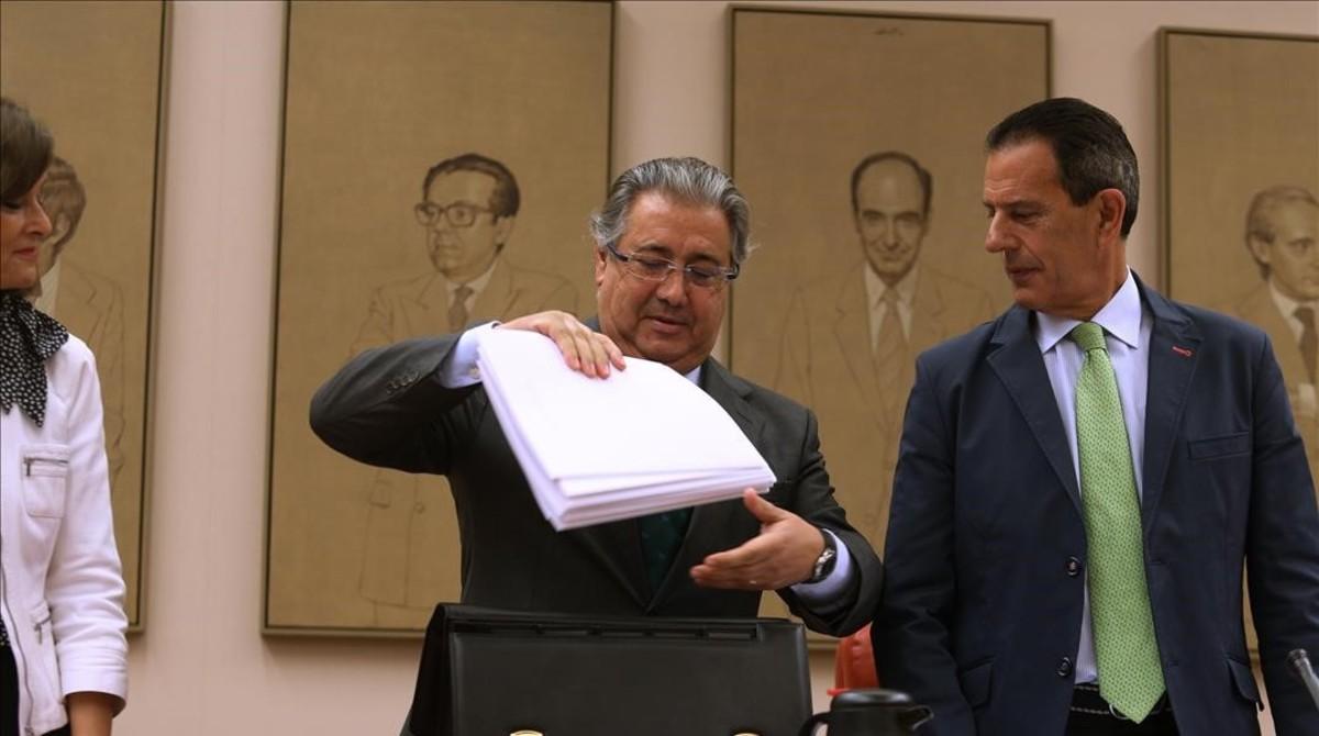 Zoido los mossos van a cumplir con su obligaci n for Zoido ministro del interior