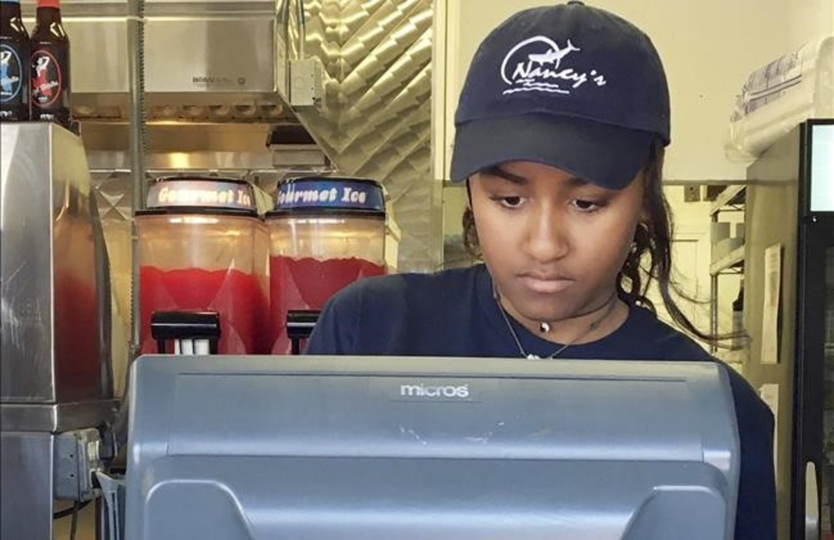 La hija de Obama, cajera en un restaurante de Massachusetts