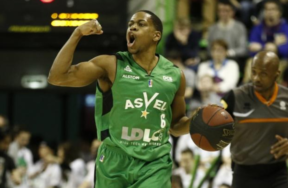 Terry Smith, en su etapa en el Asvel