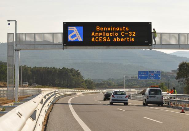 Fomento reitera su negativa a la euroviñeta mientras la Generalitat insiste en que la aplicará