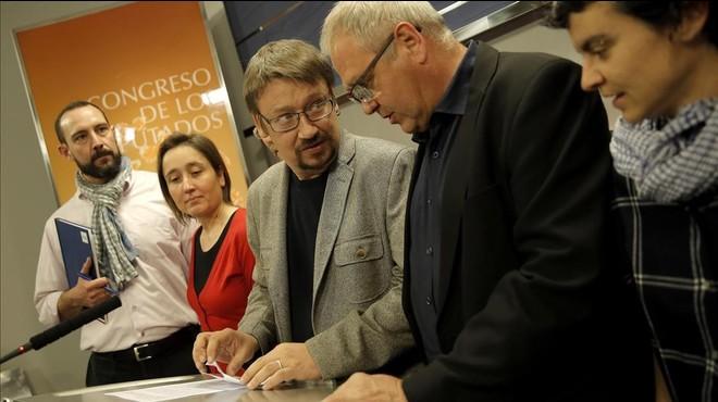 ERC i Democràcia i Llibertat s'ofereixen a Sánchez per negociar i demanen que no hi hagi vetos