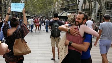 Roberto Fernández: «En la Rambla llegué a dar 839 abrazos en cuatro días»