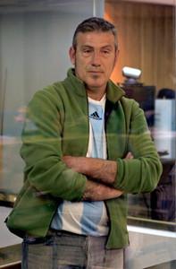 El etarra Félix Alberto López de la Calle Gauna, 'Mobutu', ha comparecido en la Audiencia Nacional vistiendo una camiseta de la selección argentina.
