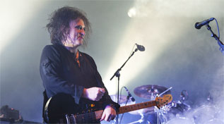 Robert Smith, lder de The Cure, en su actuacin en el Frum.