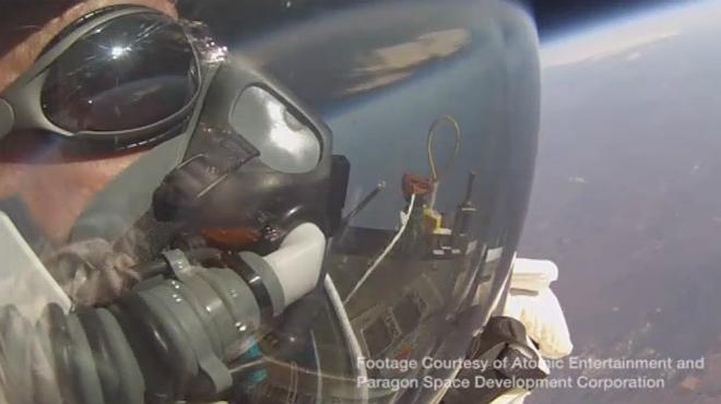 Un vicepresidente de Google salta desde 41.150 metros y bate el r�cord de F�lix Baumgartner