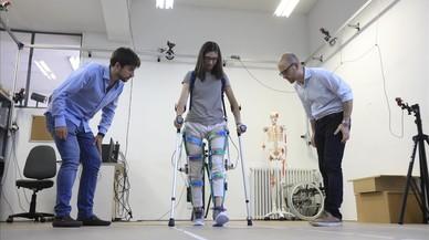 Un exoesqueleto robótico para ayudar a lesionados medulares