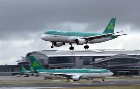 Aviones de Aer Lingus en el aeropuerto de Dubl�n.