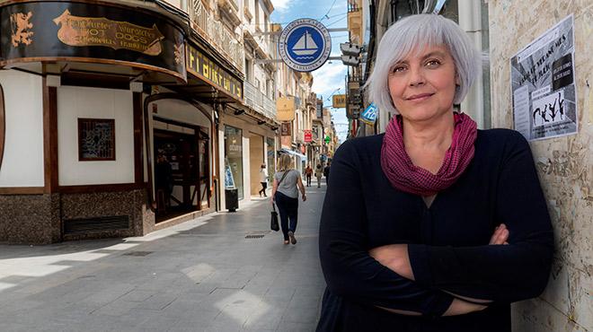 La alcaldesa de Badalona, tras la entrevista, en la que valora su primer a�o al frente de la ciudad.