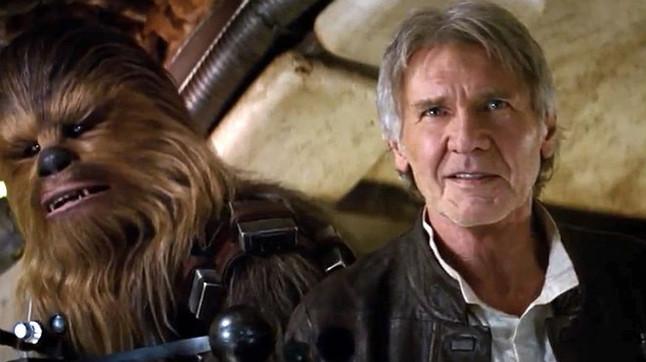 Harrison Ford i Chewbacca, en una escena del film.