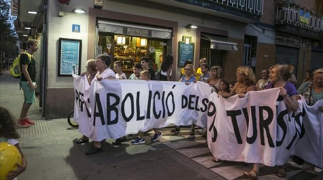 Marcha contra pisos turísticos en la Barceloneta.