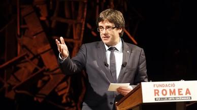 Carles Puigdemont, en el teatro Romea.