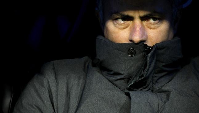 Jose Mourinho en el banquillo durante el partido del Real Madrid contra el Alcoyano.