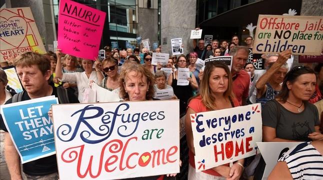 Australia env�a a sus refugiados a una isla a 4.000 kil�metros en medio del Pac�fico