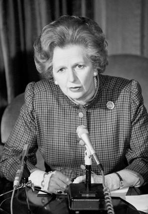 La muerte de Margaret Thatcher en diez tuits