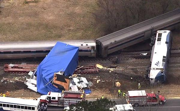 Més de 40 ferits lleus en un aparatós accident de tren als EUA
