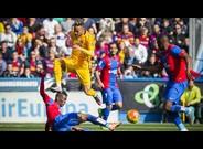 Neymar, en una jugada de ataque del partido del Bar�a contra el Levante.