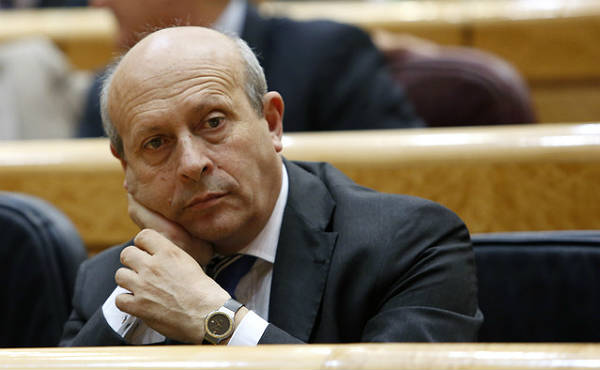 El PSOE vol que Margallo i Wert donin la cara al Congrés