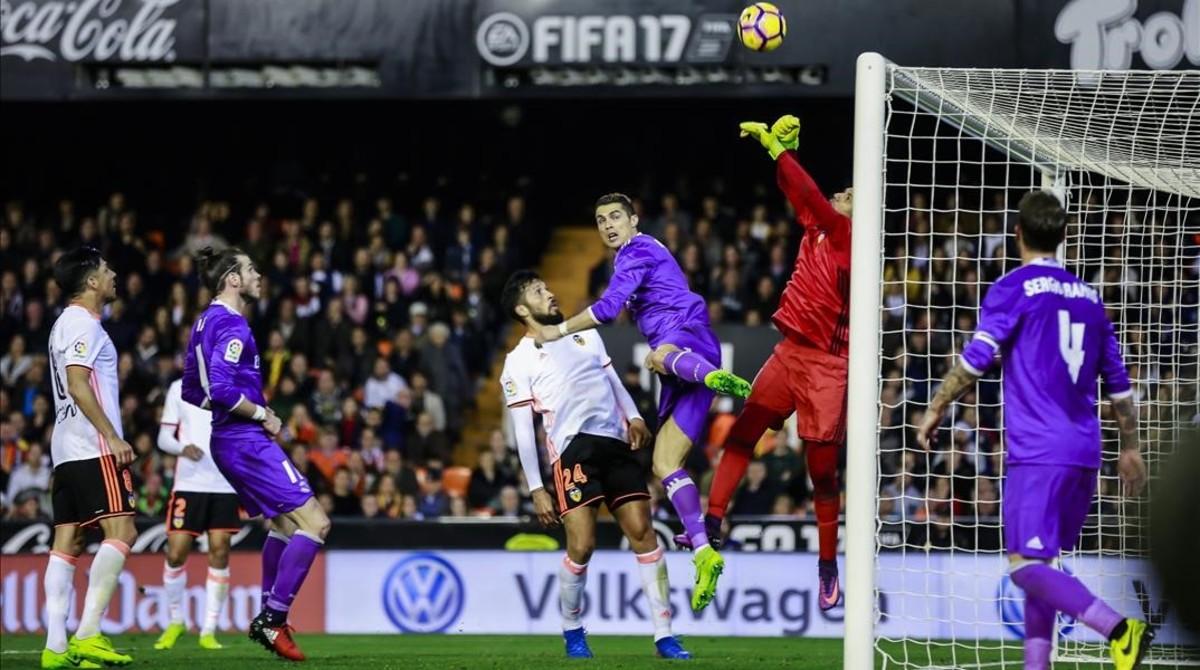 Horari i on veure per la tele el Reial Madrid - València de Lliga