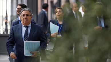 """Govern i PSOE demanen 'in extremis' a Puigdemont una """"retirada"""""""