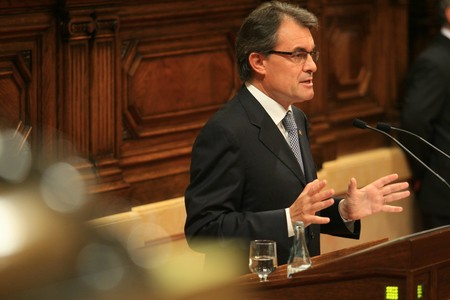 Artur Mas, durante su intervencin en el pleno sobre el pacto fiscal, este mircoles en el Parlament. 