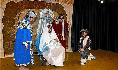 Concurso de pesebres Tradiciones navideas Juguetes para todos Teatro comprometido Funcin centenaria Pasajeros al tren! 'Els Pastorets d'Abraxas'_MEDIA_1