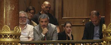 Jaume Collboni sigue con atenci�n el pleno municipal de junio.