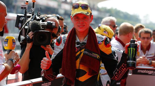Esteve Tito Rabat, tras conseguir la pole del GP de Malasia, en Sepang