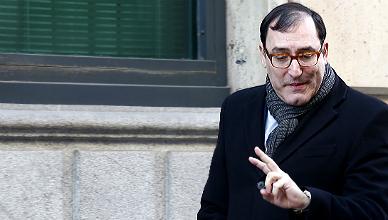Andreu fija fianzas de 4,2 millones de euros a 21 usuarios de tarjetas b