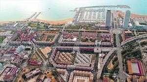 Vista aérea del Port Olímpic y de parte de la Vila Olímpica, en pleno distrito de Sant Martí. <br/><br/>