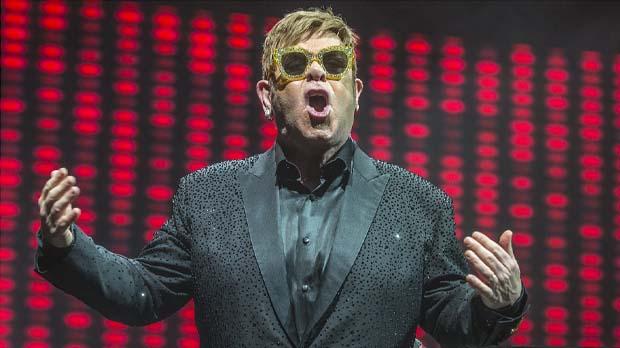 Elton John reviu a Barcelona els seus daurats anys 70