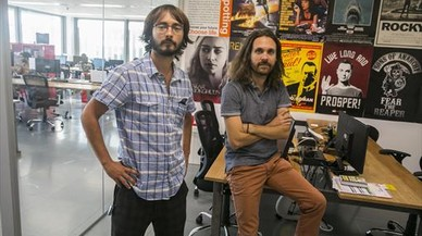 ILUSI�N. Sol� , izquierda, y Caritg posan en las instalaciones de Tviso, en unas modernas oficinas en el barrio de Mira-sol en Sant Cugat del Vall�s.