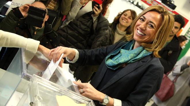 Albert Rivera vota en un col·legi de l'Hospitalet