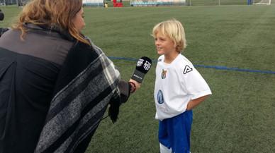 El nét de Johan Cruyff ret homenatge al seu avi