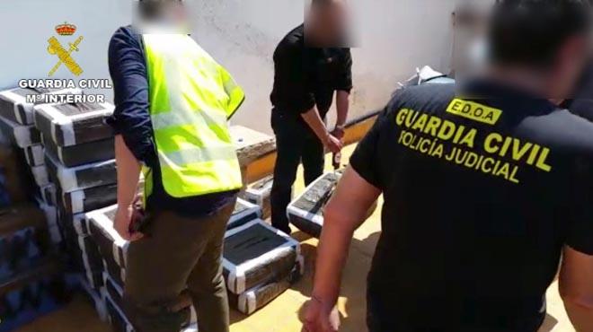 Nou detinguts al Mar Menor (Múrcia) amb 1,2 tones d'haixix