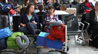 Aeropuertos de todo el mundo recuperan la normalidad tras un fallo informático