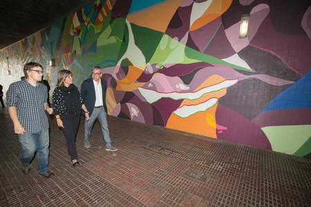 Presentaci�n del proyecto 12+1 en la salida del metro de la Torrassa de L'Hospitalet, con la presencia de la alcaldesa N�ria Mar�n.