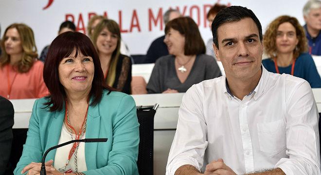 "S�nchez le dice a Rajoy que si no va a la investidura ""mejor se vaya a casa""."