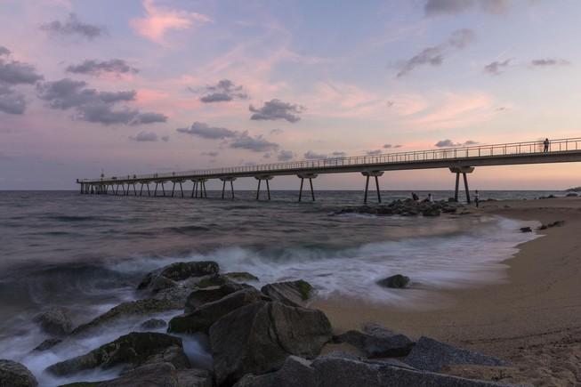 ¡Que bonica que és Badalona per terra, mar i aire!