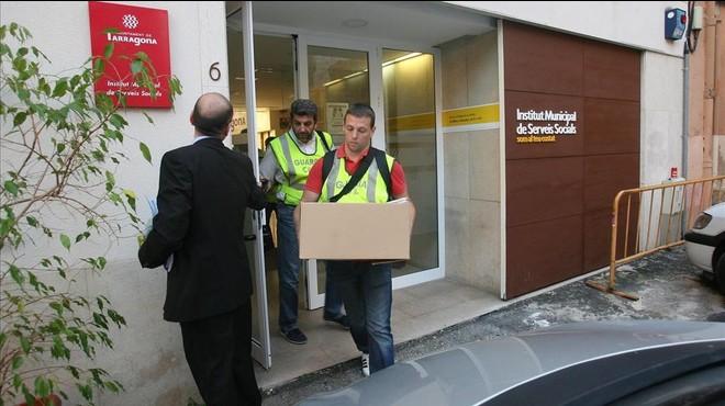 Registro en la sede del Instituto Municipal de Servicios Sociales de Tarragona, el pasado noviembre, en el marco de la investigaci�n del 'caso Inipro'.