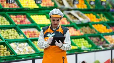Mercadona ofereix 120 llocs de treball fixos a Catalunya per reforçar la seva plantilla