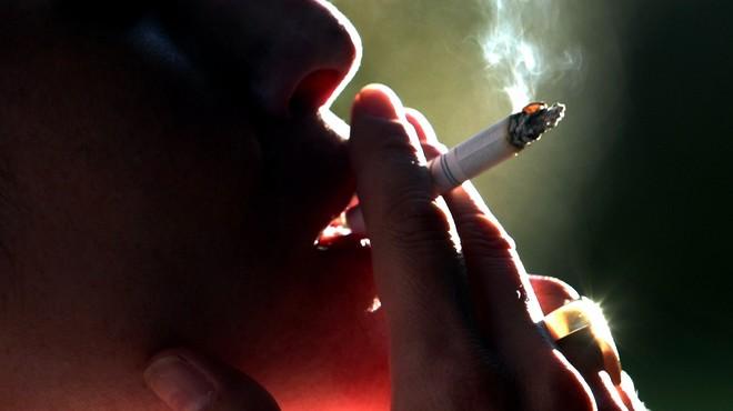 Francia prohibirá las marcas de tabaco que vinculen fumar con un acto atractivo
