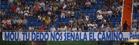 La polémica pancarta, durante el encuentro que enfrentó al Real Madrid y al Galatasaray, el pasado agosto.