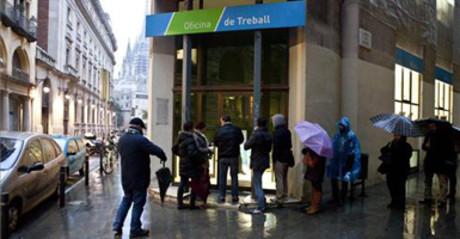 Un estudio calcula que hay 5 6 millones de parados for Oficinas de trabajo temporal en barcelona