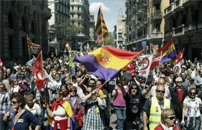 Multitudinaria manifestacin de Barcelona, convocada por CCOO y UGT.