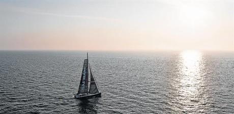 El 'Safran' con el que el franc�s Marc Guillemot bati� el r�cord de cruzar el Atl�ntico en el 2013.