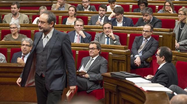 El diputado de la CUP Antonio Baños, durante el segundo debate de investidura en el Parlament.