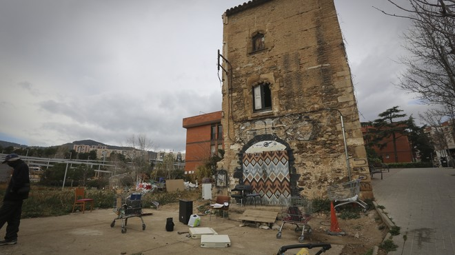 Los vecinos de Horta piden al ayuntamiento que se haga cargo de la Torre del Moro