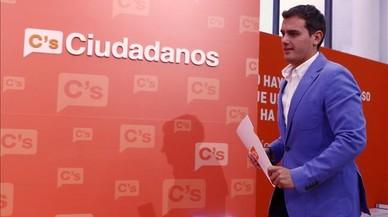 """Rivera es mostra obert a negociar i """"donar un cop de mà"""" per atraure el PSOE"""