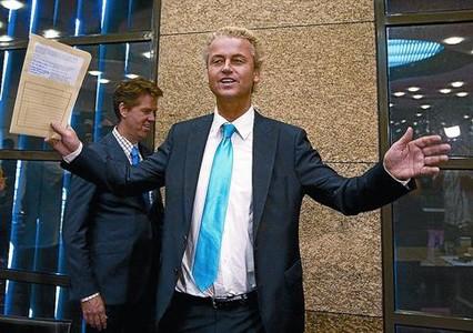 Geert Wilders, exultante tras conocer los resultados electorales de su partido, en La Haya.